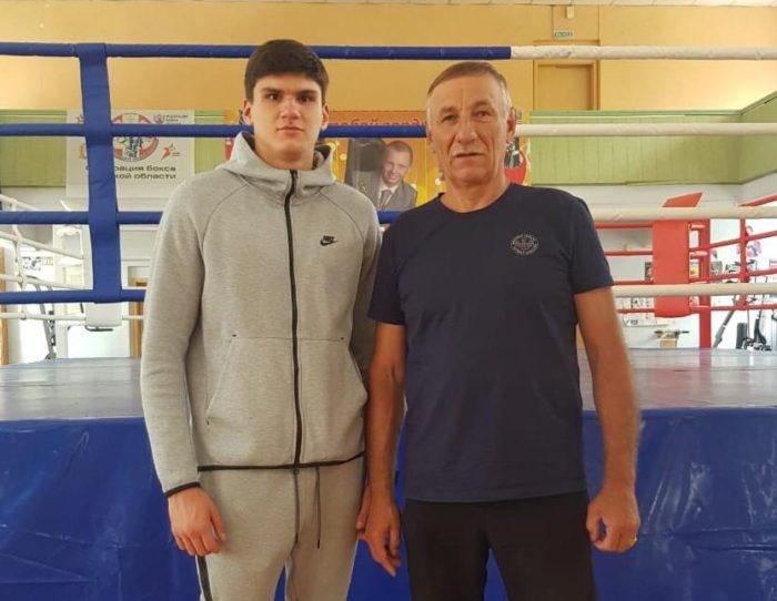 Илья Богатырёв (г.Омск) готовится к Первенству Европы среди юниоров.
