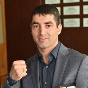 У Михаила Алояна вновь сменился соперник за считанные дни до боя в рамках ПМЭФ